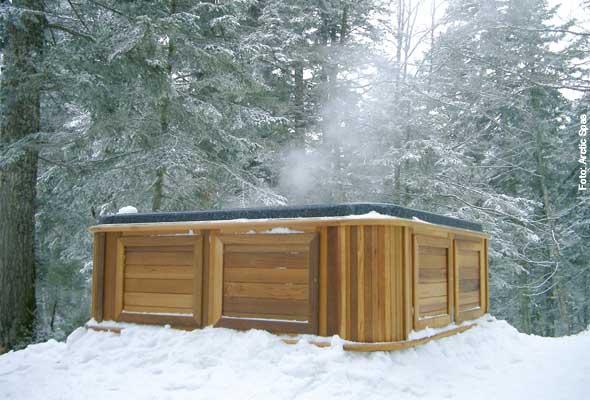 Dampfmaschine - Wenn es so richtig kalt ist, kann man die Wärme des Whirlpools sehen: Dicke Dampfschwaden weisen den Weg zur heißen Quelle.