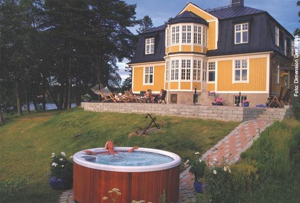 whirlpool kaufen tipps vom experten whirlpool zu. Black Bedroom Furniture Sets. Home Design Ideas