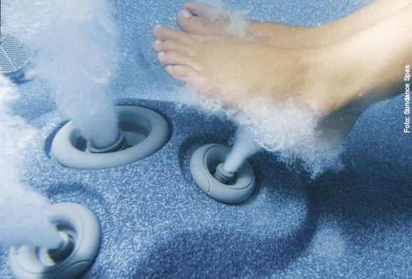 Whirlpool-Massagedüsen für eine angenehme Fußreflexzonenmassage