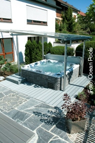 das garten schmuckst ck der whirlpool whirlpool zu. Black Bedroom Furniture Sets. Home Design Ideas