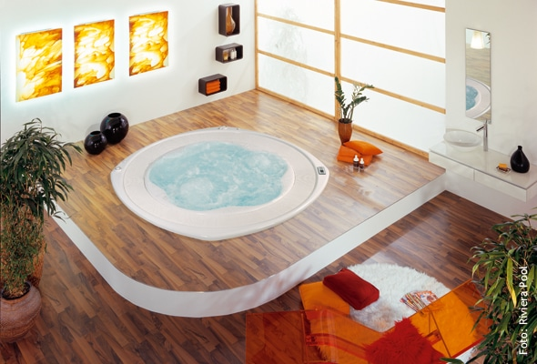 indoor whirlpool was es zu beachten gibt whirlpool zu. Black Bedroom Furniture Sets. Home Design Ideas
